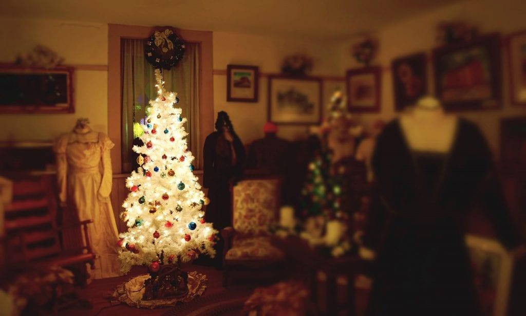Nighttime Christmas tree, Lecompton
